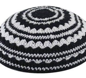 כיפה סרוגה שטיח 18 סמ שחור ולבן